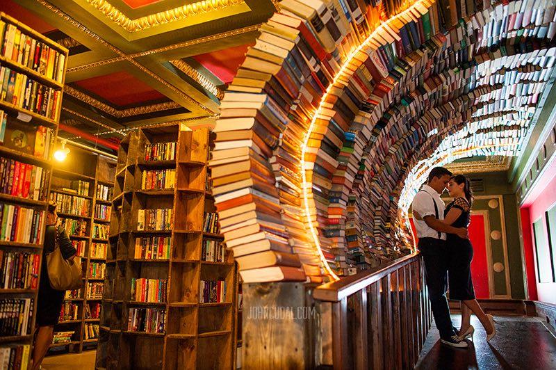 Boda en The Last Bookstore johncudal fotografos Los Angeles