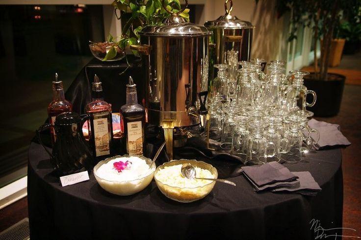 sencillo coffee bar para bodas - Las Mesas de Dulces en las Bodas