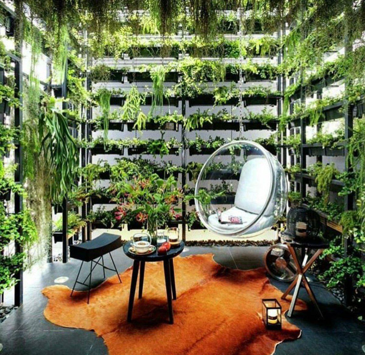 como es un jardín relajante y moderno