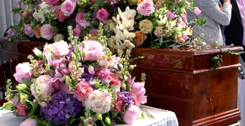 funeraria y flores: se unen cada día