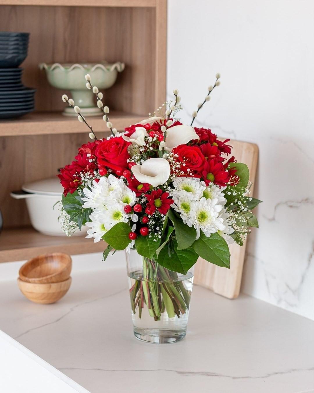 ¿Flores frescas con entrega puntual?