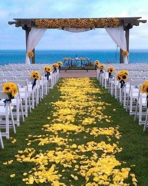 sun flower two 61071641 300872637465691 9115897417623293058 n - ARREGLOS DE BODA: IDEAS PARA UNA DECORACION DE GIRASOLES